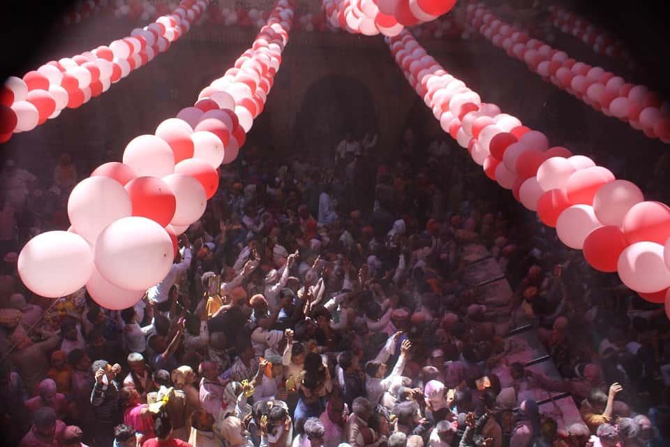 होली Holi 2019:- शुरू हो गई मथुरा-वृंदावन की हफ्ते भर की होली, जाने किस दिन है क्या